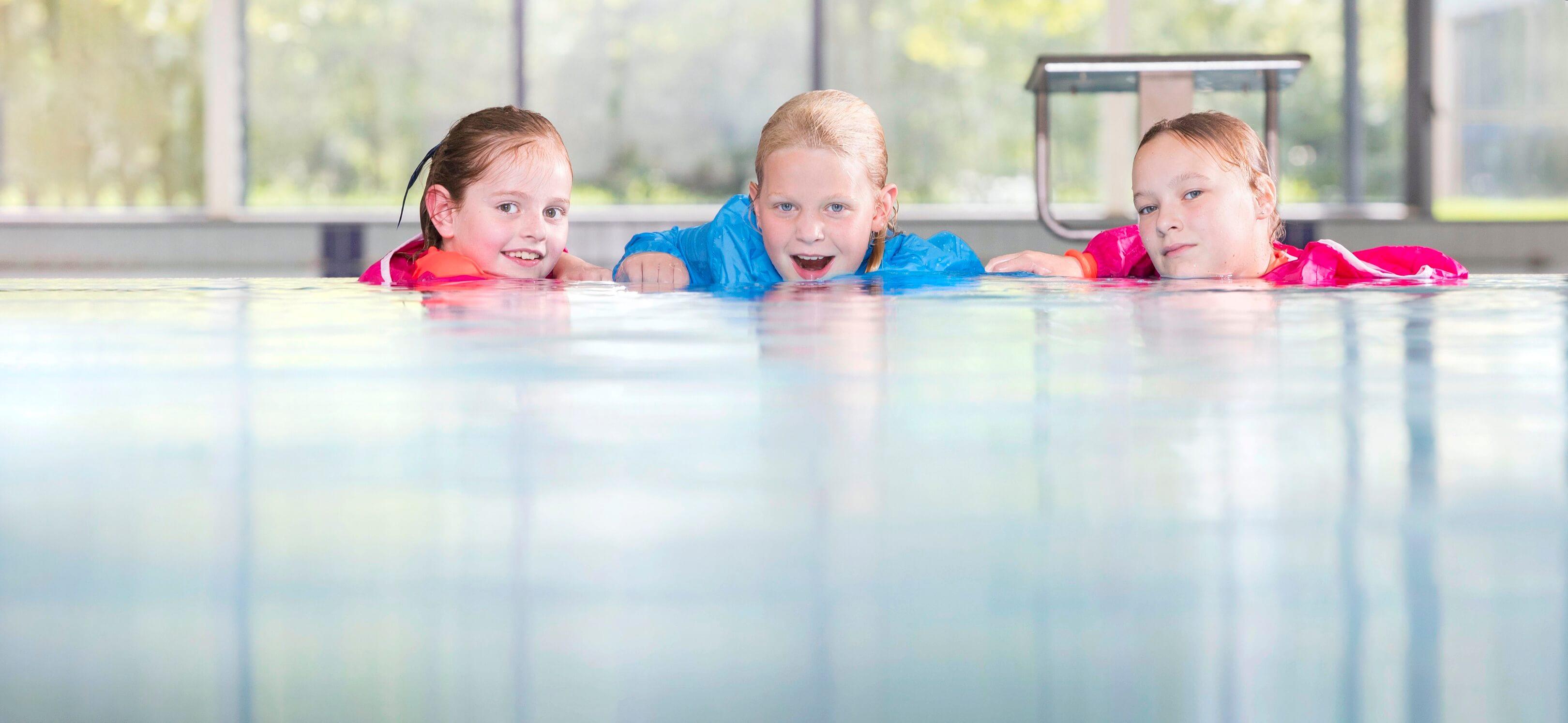 zwemschool van Tongeren beeldbank Jurjen Poeles fotografie kinderen in zwembad zwemles