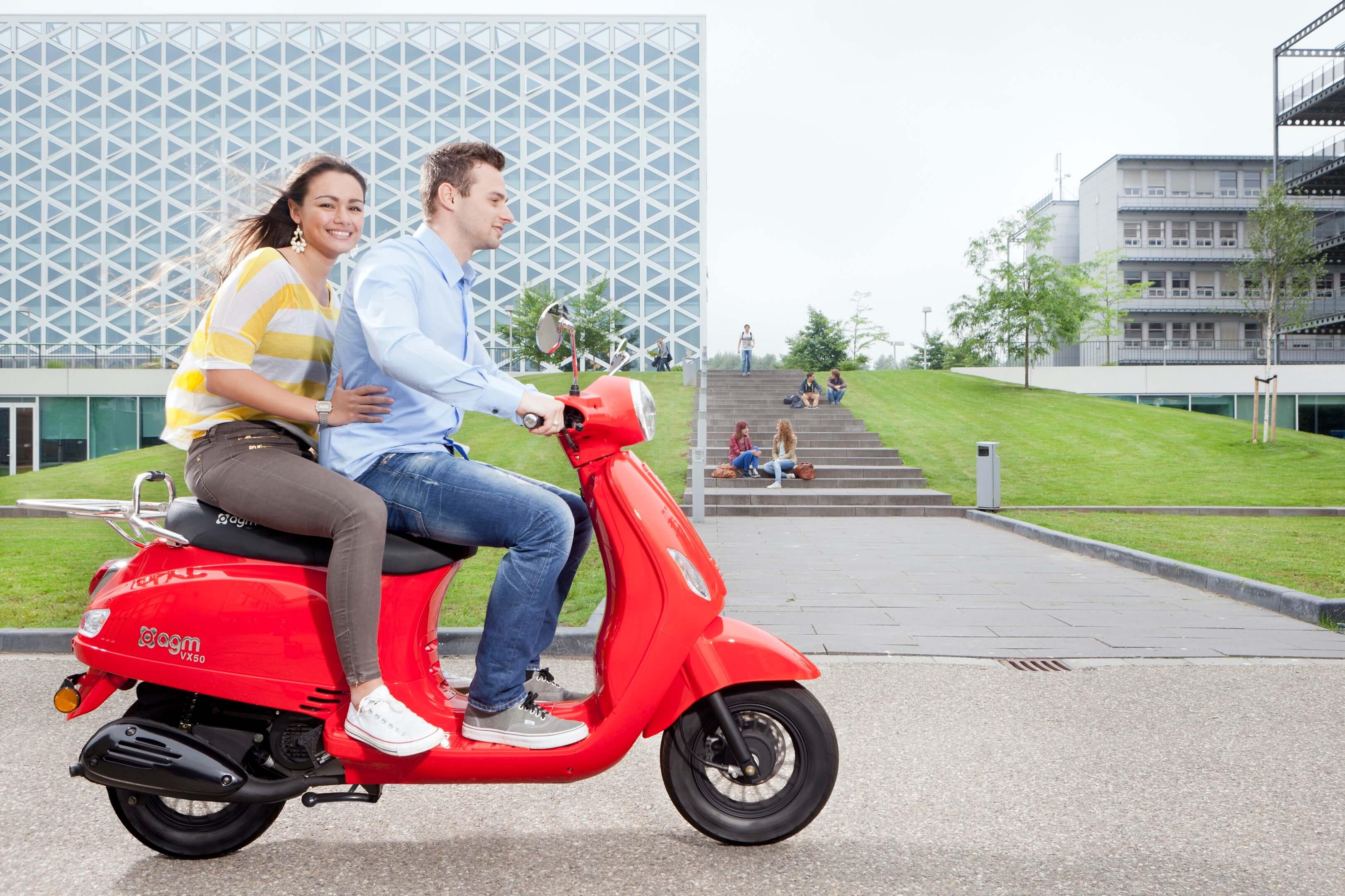 Jurjen Poeles Fotografie hogeschool Windesheim openlag campagne studenten scooter citaat Om je dromen waar te maken moet je eerst wakker worden