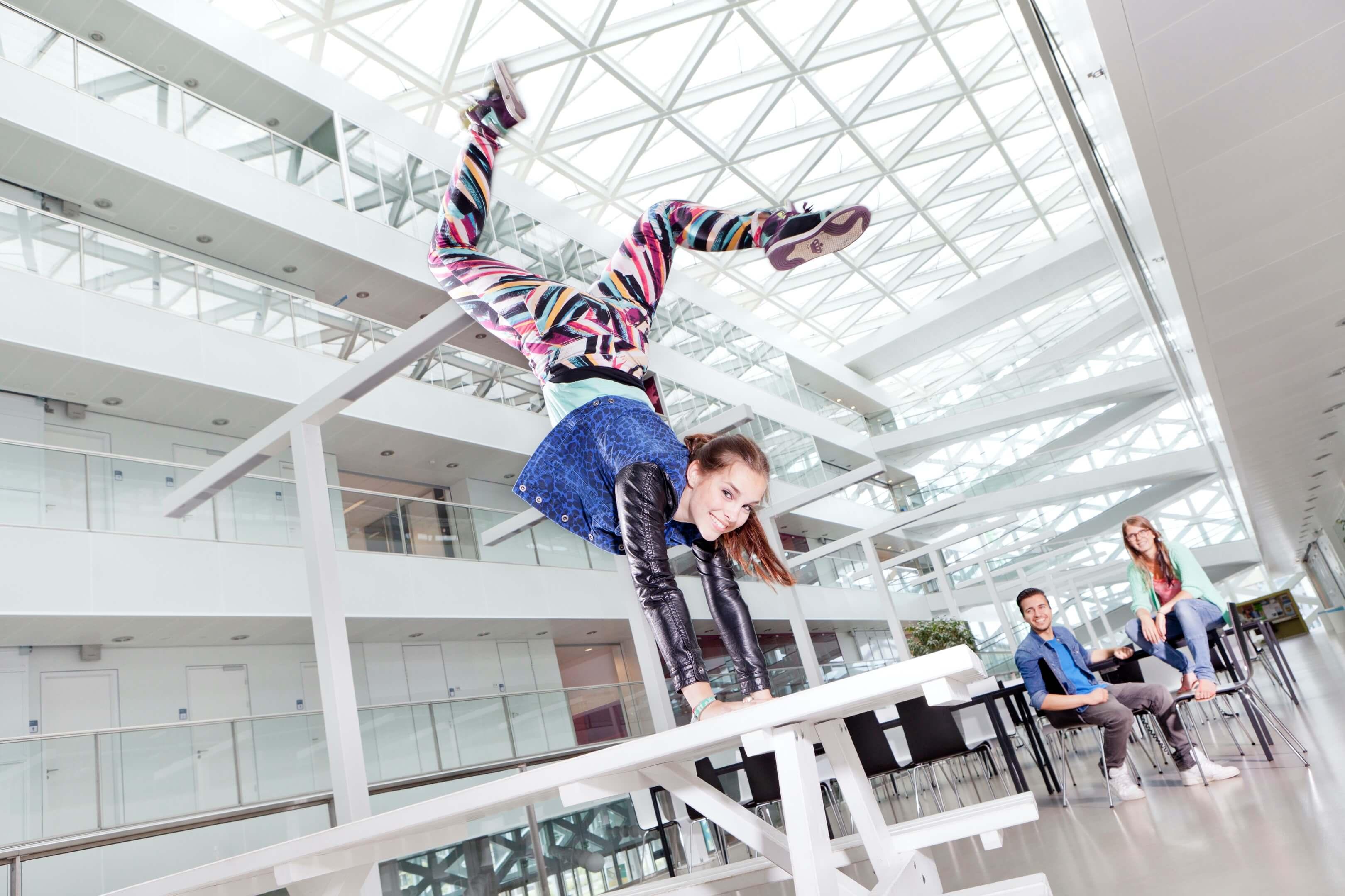 Jurjen Poeles Fotografie hogeschool Windesheim openlag campagne studenten citaat Waarom lopen als je ook kunt dansen