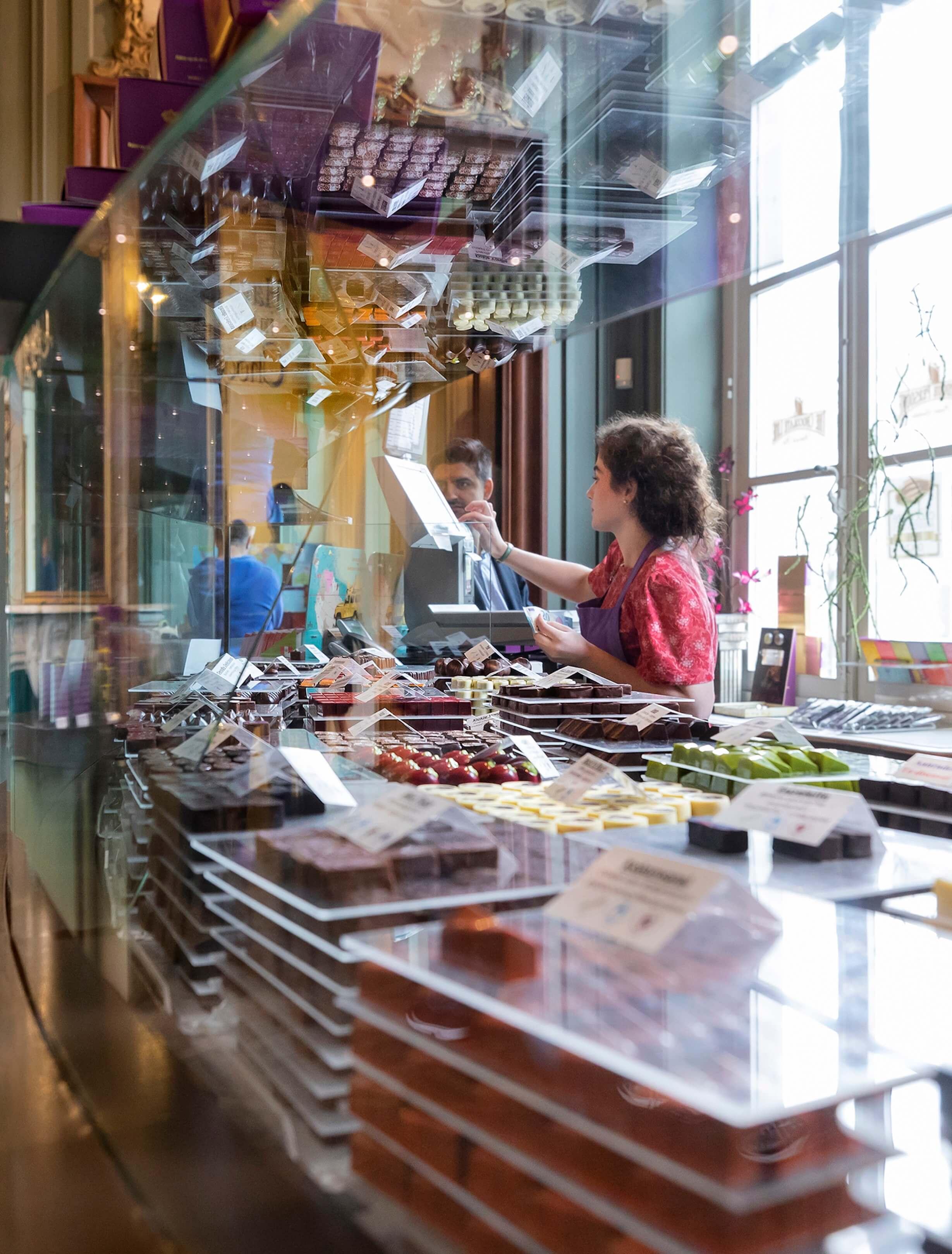 boek Circles of retail Boom beroepsonderwijs Sarphati Jurjen Poeles fotografie reportage retailconcept winkel shopping winkelen The Chocolate Line Meir Antwerpen België